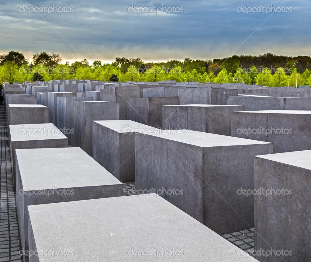 Еврейский мемориал кованые могильные кресты