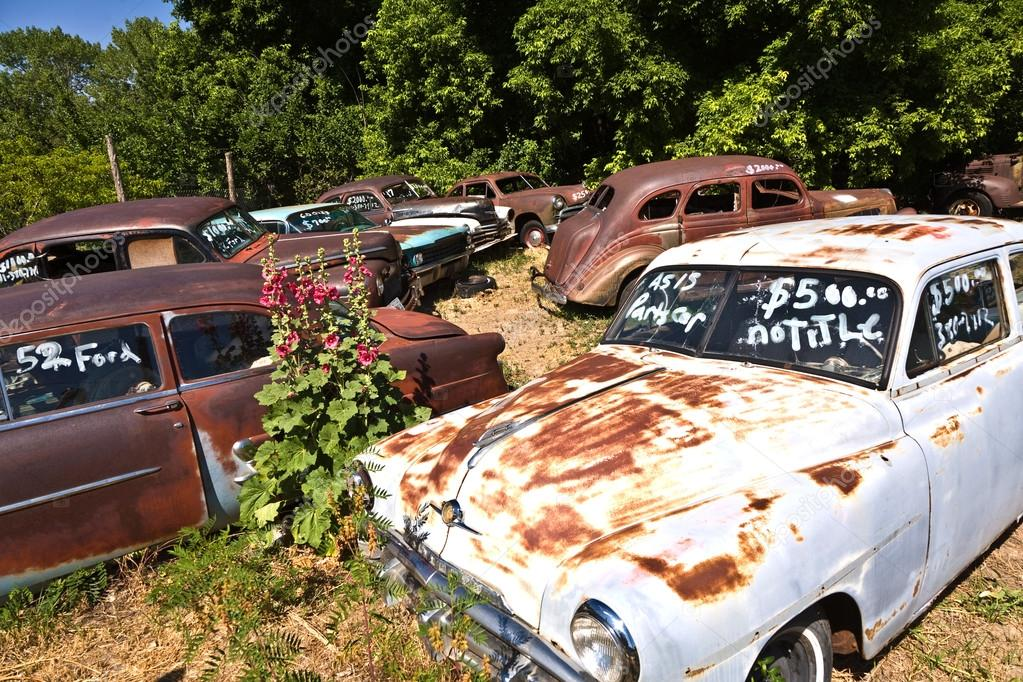 junk yard with old beautiful oldtimers – Stock Editorial Photo ...