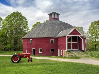Red New England barn