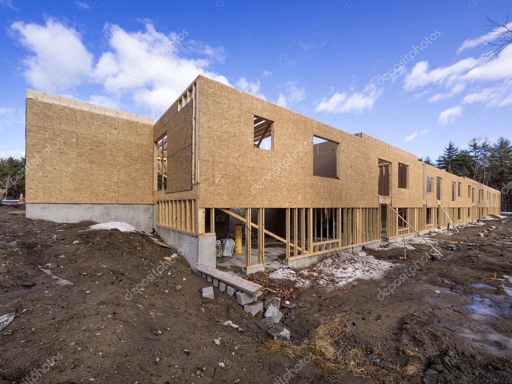Framing-Neubau eines Hauses — Stockfoto © Sonar #38995867