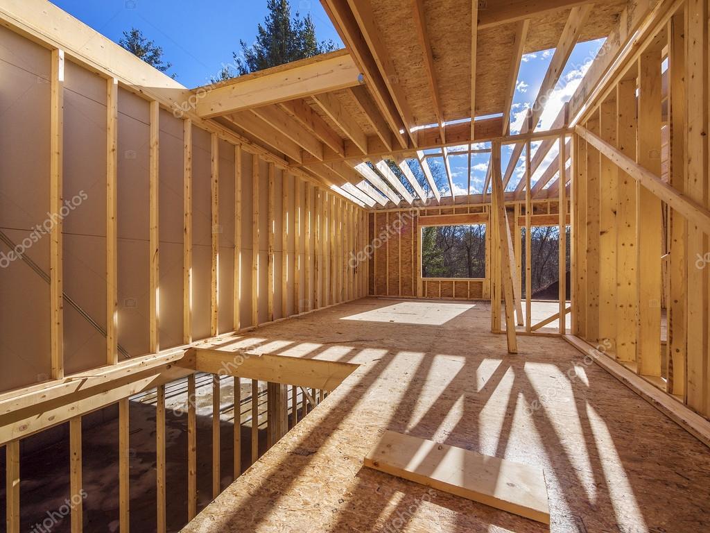 Framing-Neubau eines Hauses — Stockfoto © Sonar #38995943