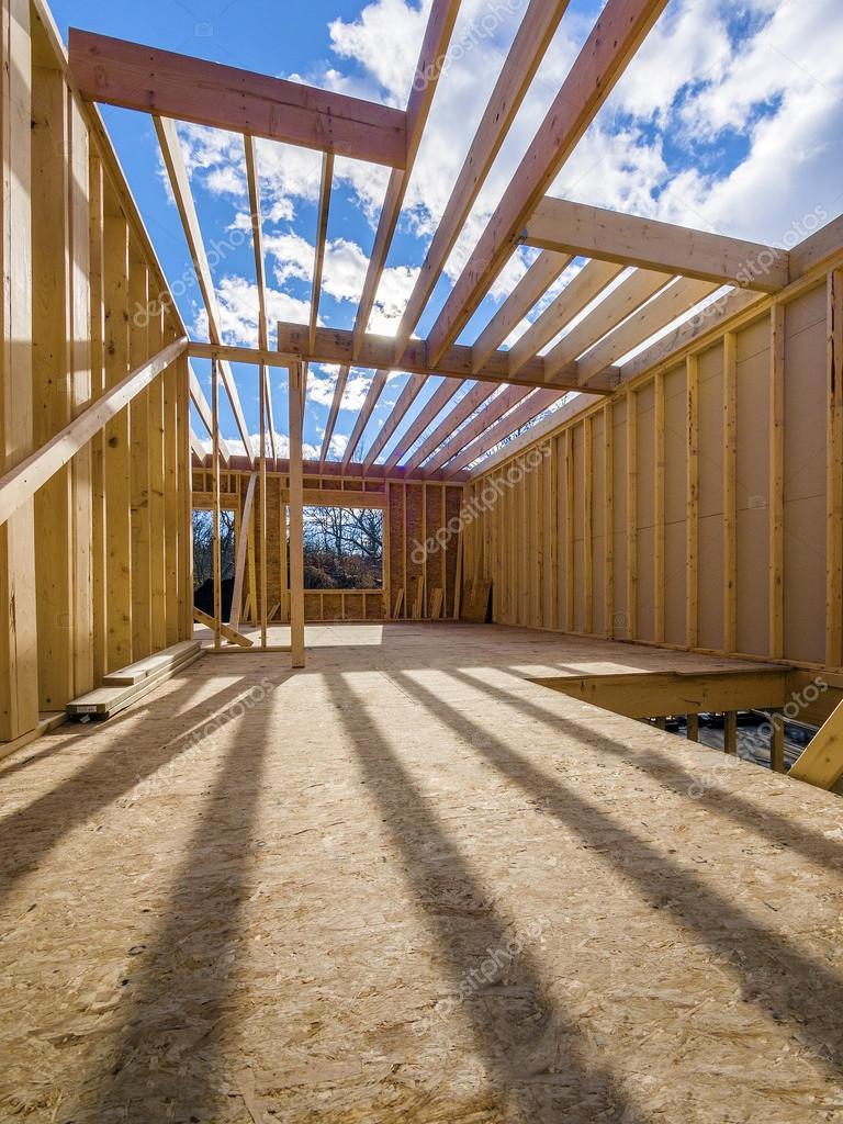 Framing-Neubau eines Hauses — Stockfoto © Sonar #38996047