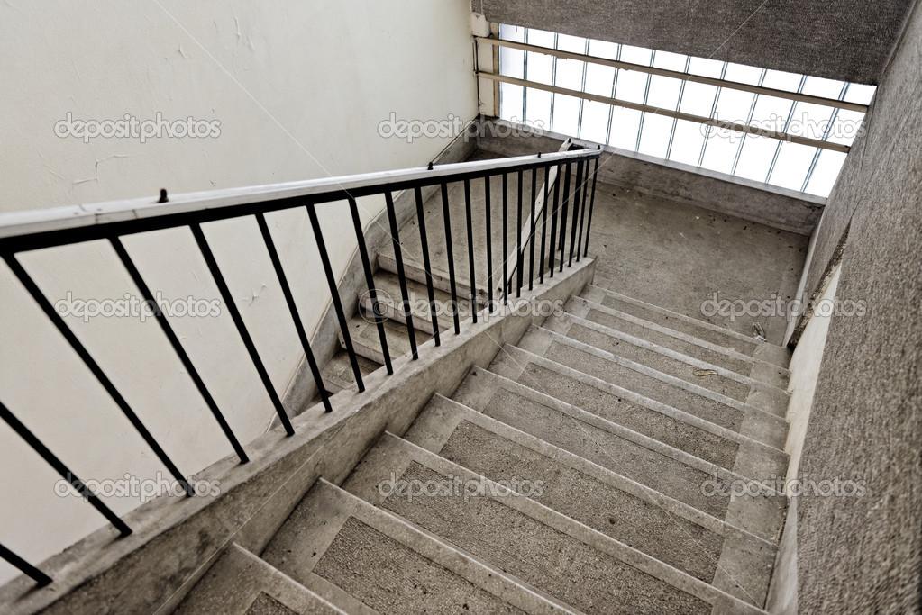 vieil escalier industriel photographie svedoliver 29746869. Black Bedroom Furniture Sets. Home Design Ideas