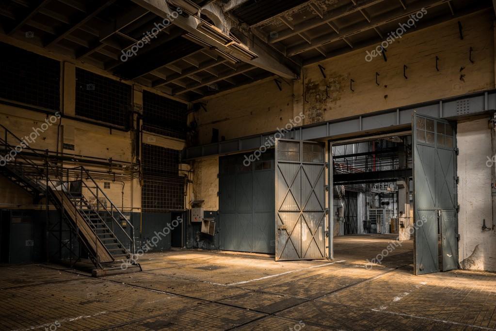 Int rieur d 39 une ancienne usine industrielle photo 36215761 for Interieur usine