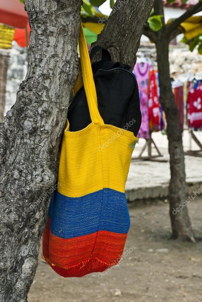 bandera colombiana - bolso de ganchillo — Foto de stock © adfoto ...