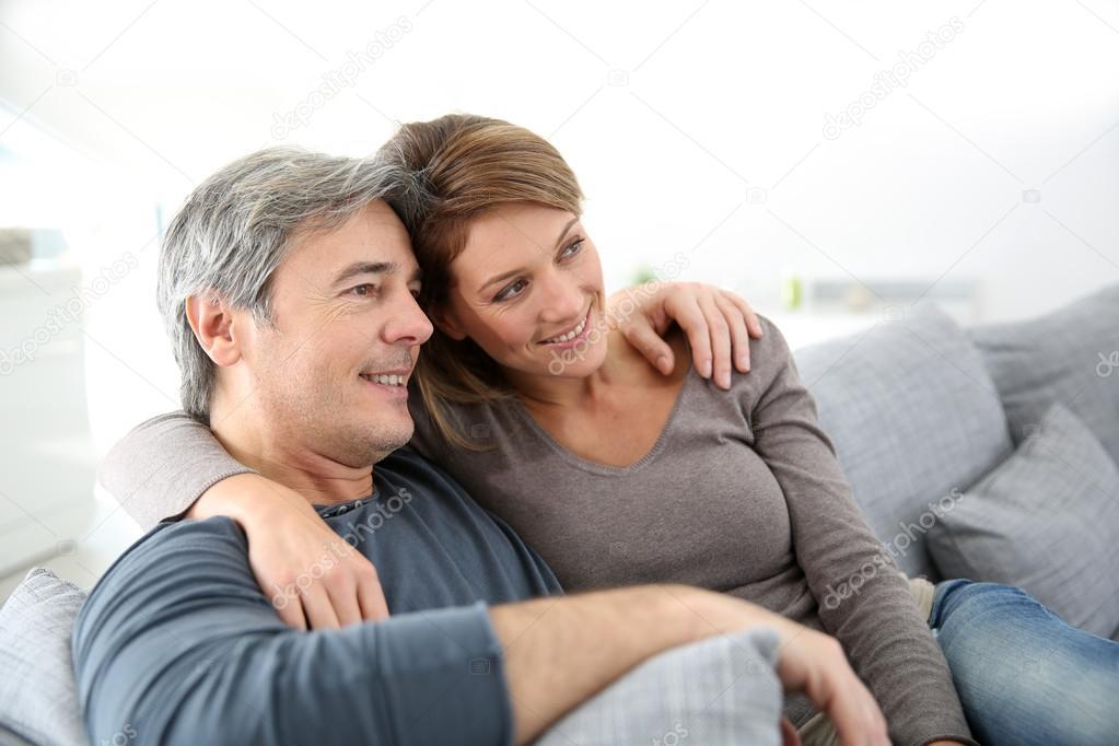 Моменты личной жизни французской зрелой пары — 15