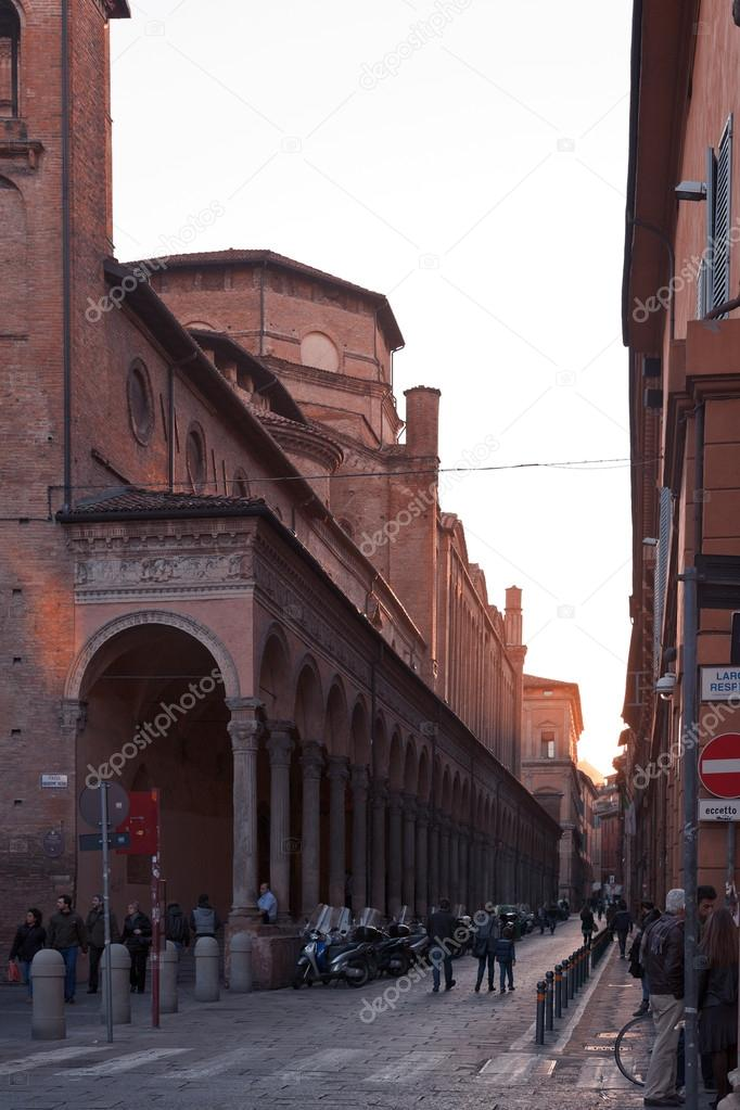 https://st.depositphotos.com/1077338/2038/i/950/depositphotos_20386553-stock-photo-church-san-giacomo-maggiore-from.jpg
