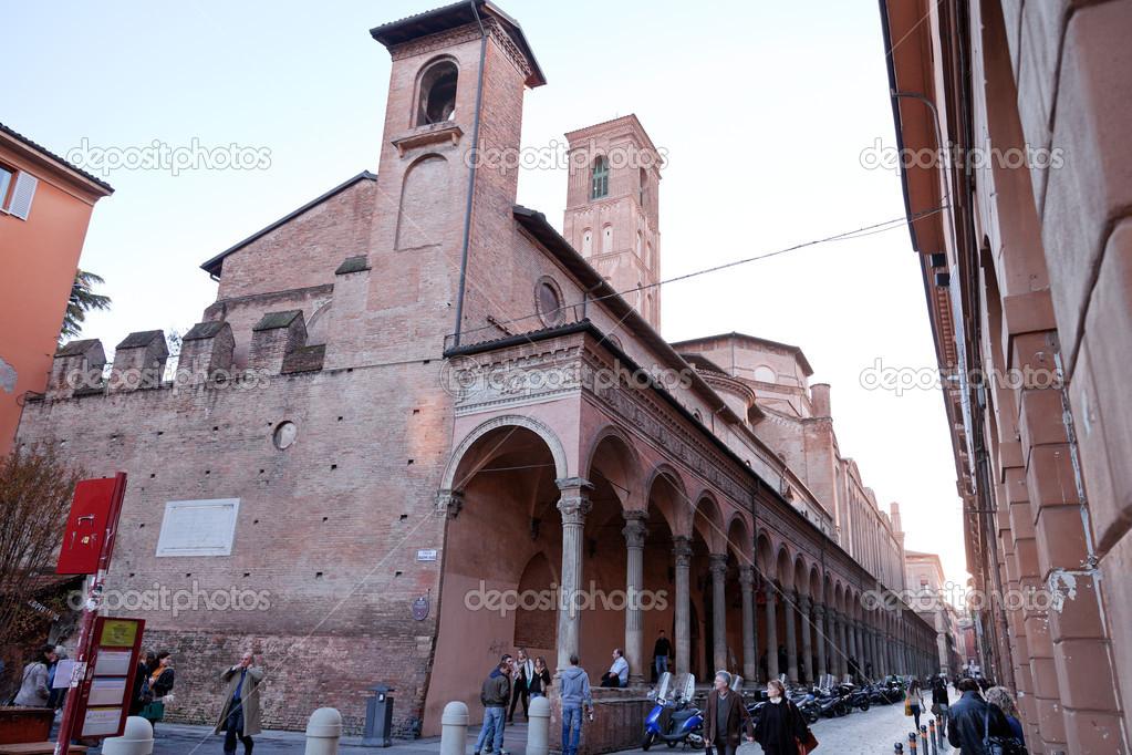 https://st.depositphotos.com/1077338/2038/i/950/depositphotos_20386563-stock-photo-church-san-giacomo-maggiore-from.jpg