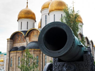 Tsar Cannon and Dormition Cathedral, Moscow