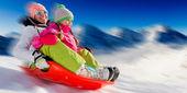 Fotografie Winter Fun, Schnee, Familie, Rodeln im Winterzeit