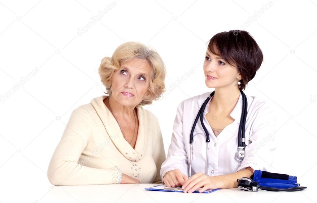 старушка пришла на прием к молодому доктору связали девушку
