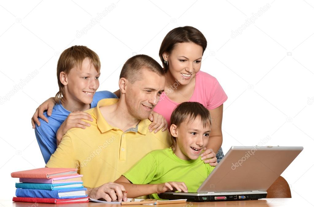скачать игру на компьютер бесплатно семья - фото 6