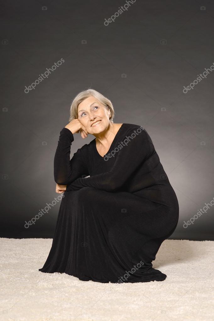 Imagenes de la dama vestida de negro