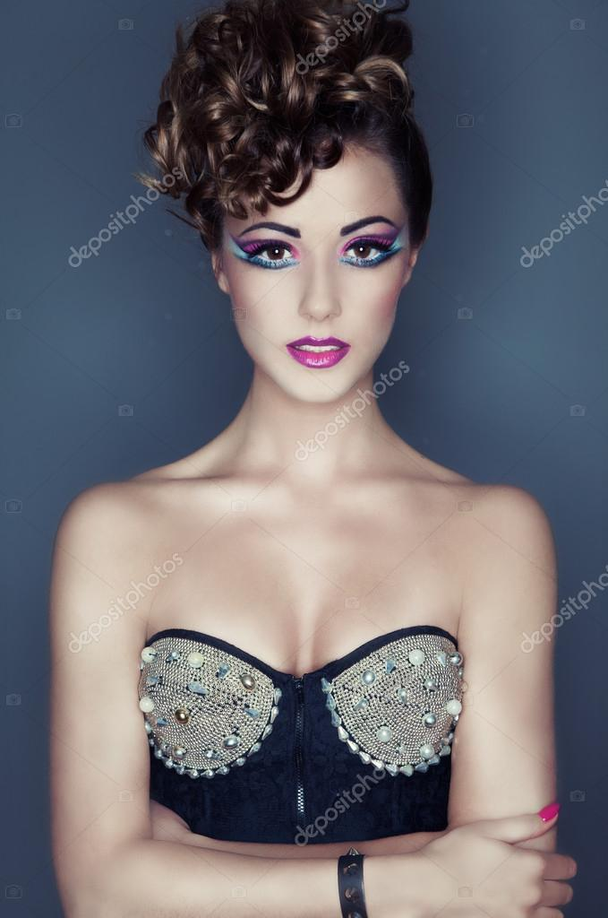 551b34d7f28 Face close up of beautiful young woman with professional party make up  false eyelashes — Photo by ...