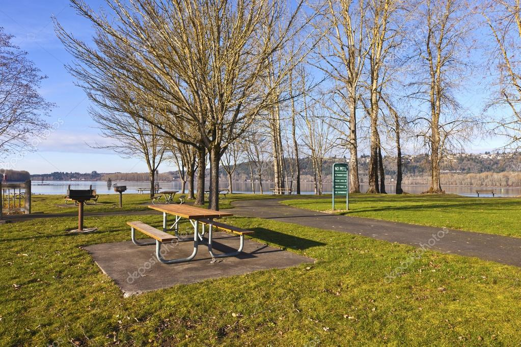 Columbia River and Oregon state parks.