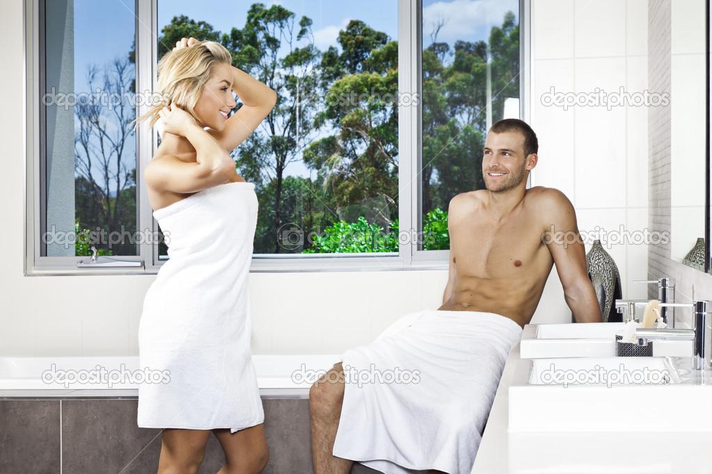 С дружком в ванной комнате, супер макс секс