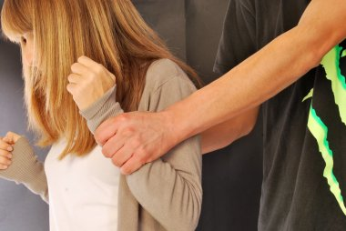 A woman who suffers violence - 127