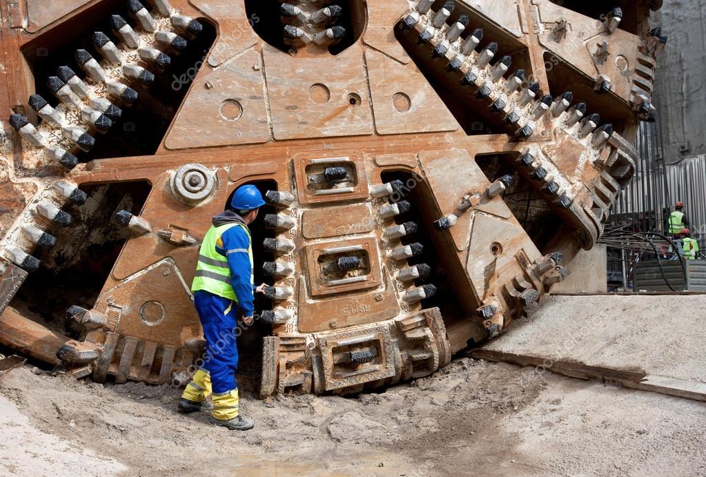 huge tunnel boring machine