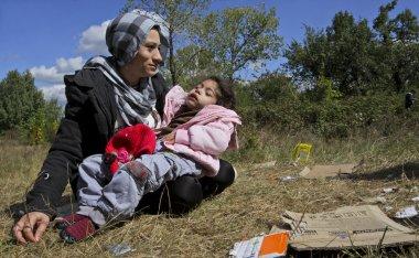 Syrian refugee mother daughter