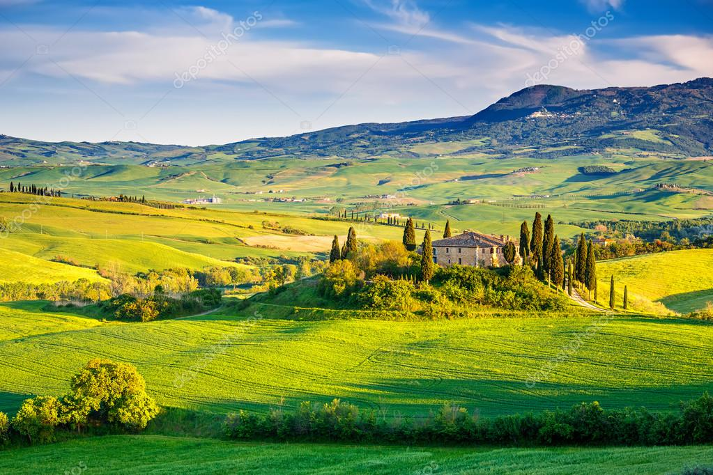 Фотообои Tuscany landscape at sunset