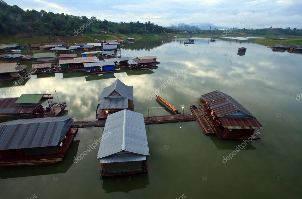 floating village West of Thailand