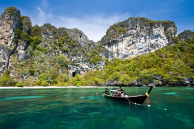 Snokling Point at PhiPhi Island