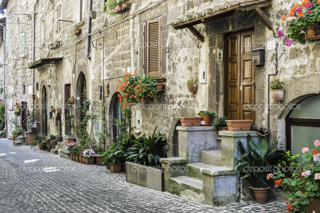 Case Tradizionali Italiane : Case tradizionali italiane u foto stock deyangeorgiev
