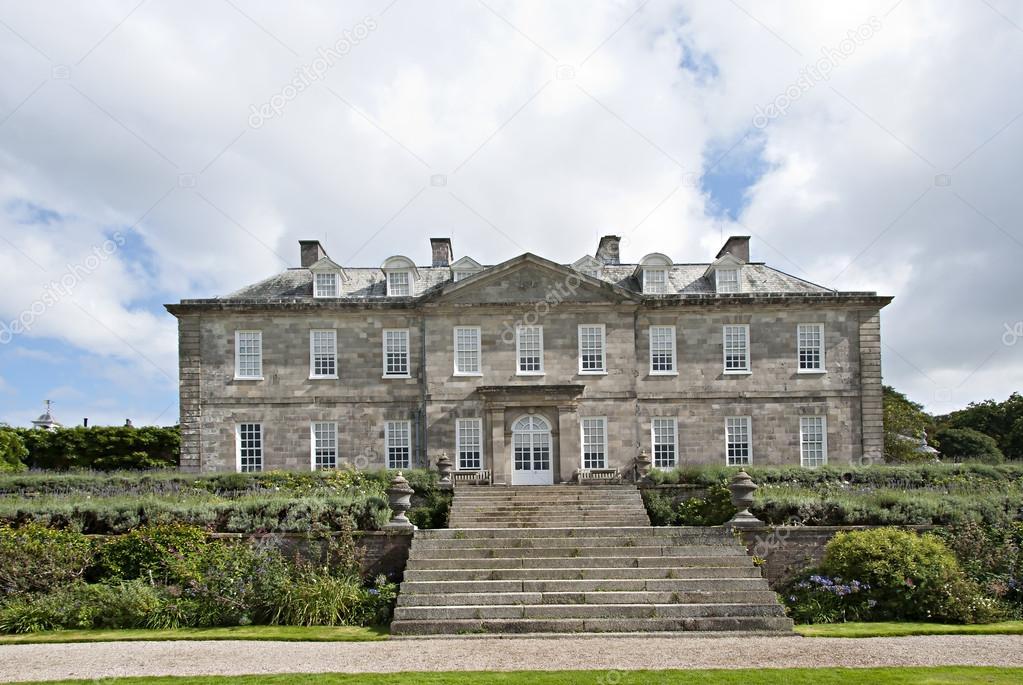 Parterres y casa de campo inglesa foto editorial de stock d40xboy 12756715 - Imagenes de casas inglesas ...