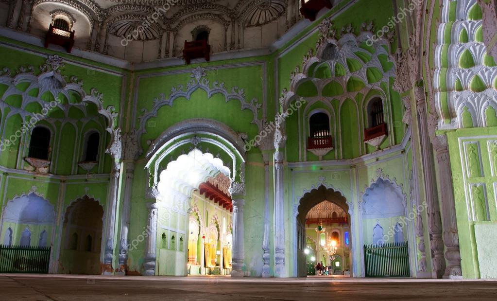 Decoratie van interieur historische moslim relikwie bara imambara