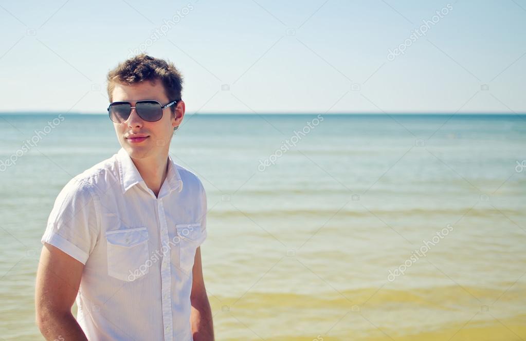 Красивые голые парни на пляже Частное фото 4