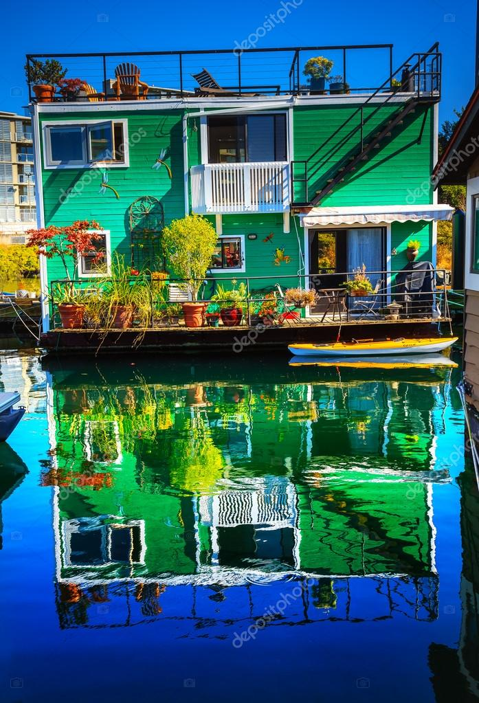 Green Houseboat Floating Home Village Fisherman's Wharf Reflecti