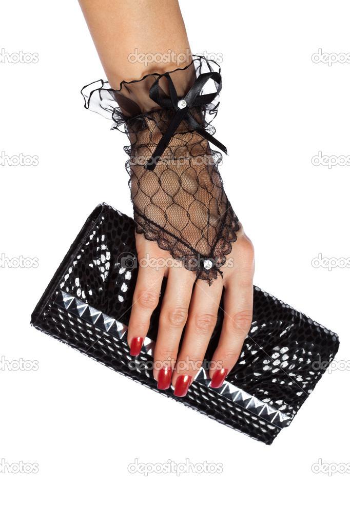18556fe81371 Mulher mão em luvas de renda preta com bolsa — Fotografia de Stock