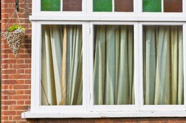 Closed curtains