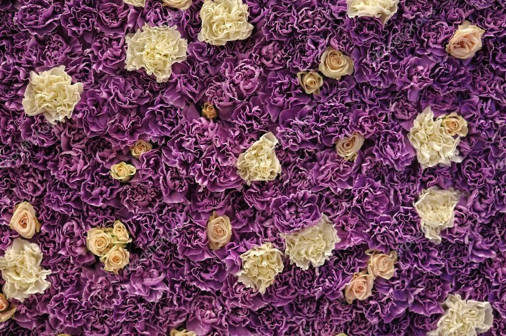 Wall of fresh flowers