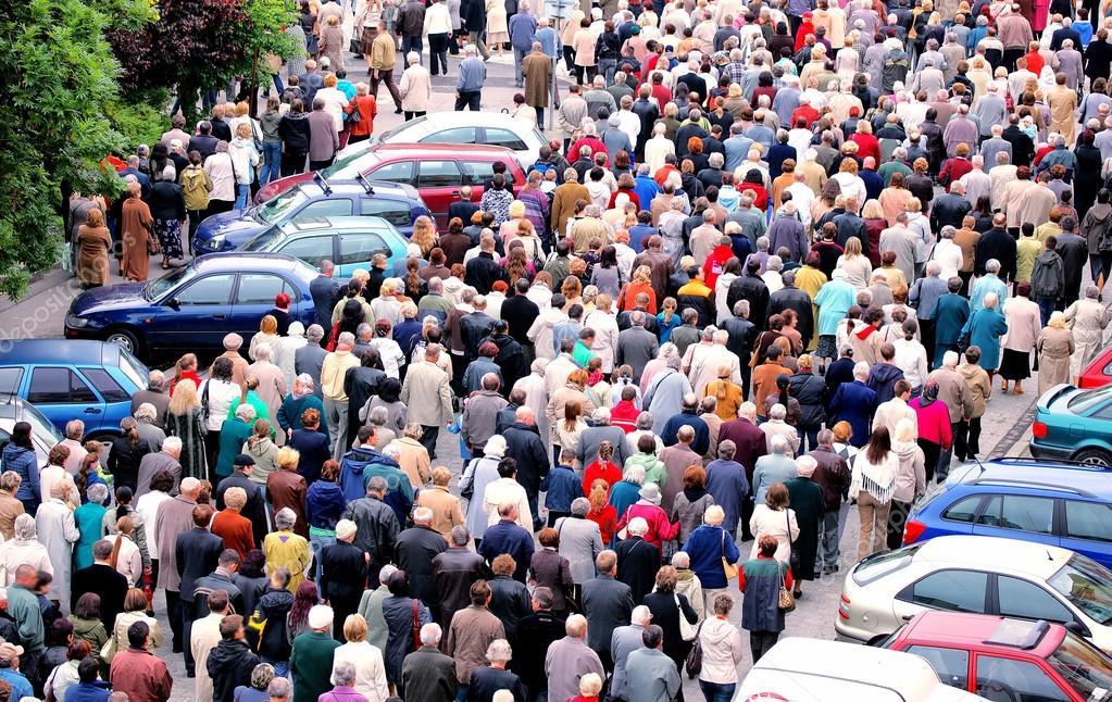 фото толпа людей