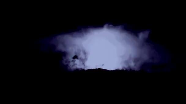 bouřlivé mraky s bleskem habaděj