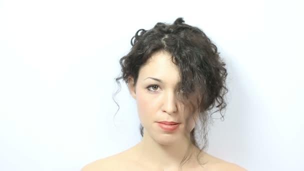 fúj el nő a haja