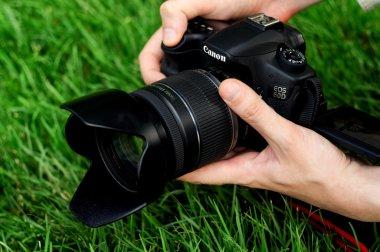 Photographer shoots macro