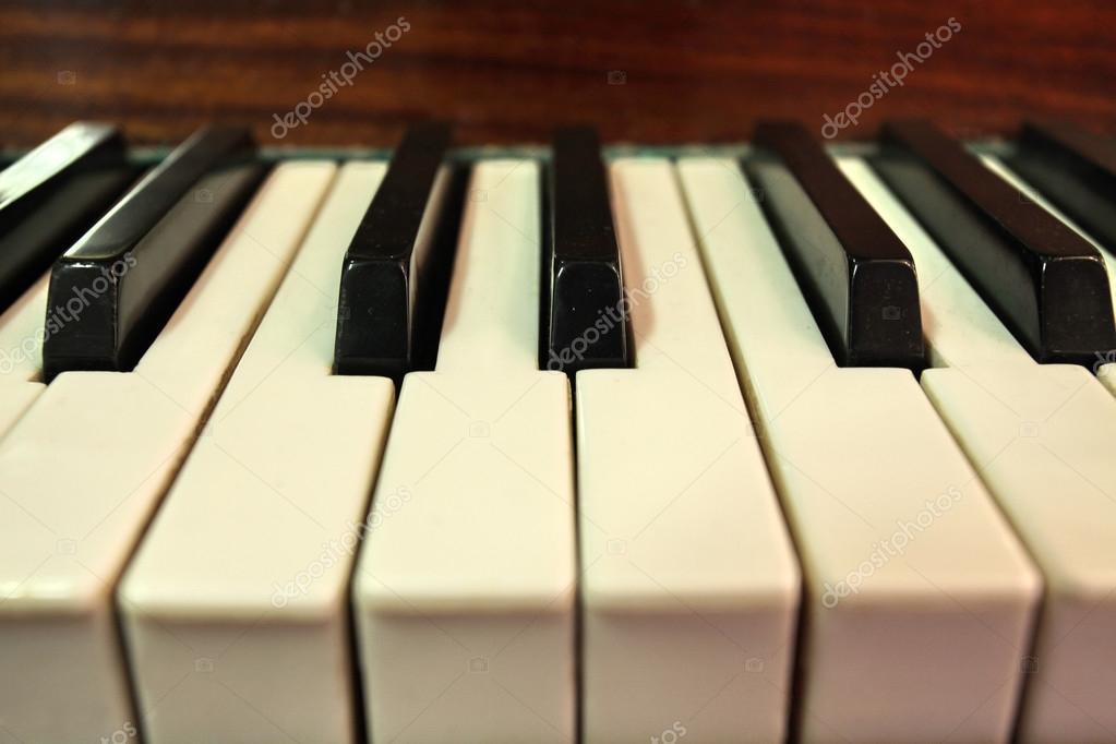 баночка под пианино фото некомфортно