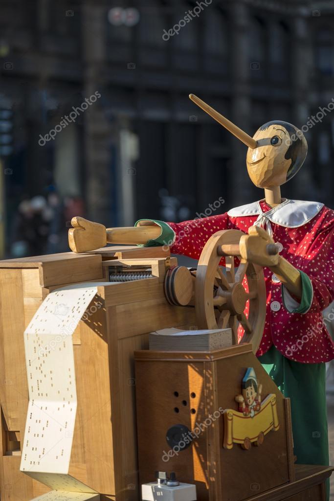 Boîte à Musique Avec Pinocchio