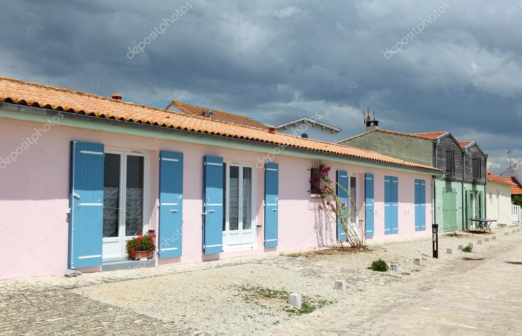 Häuser in einem Dorf in der Nähe von La Rochelle, Charente-maritime ...