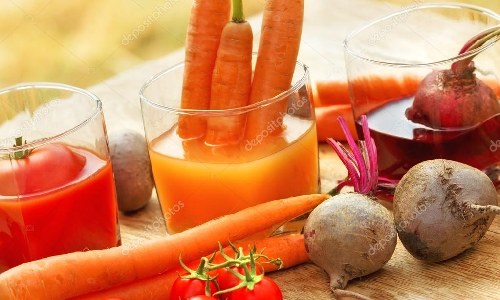 Juices squeezed from fresh and organic vegetables