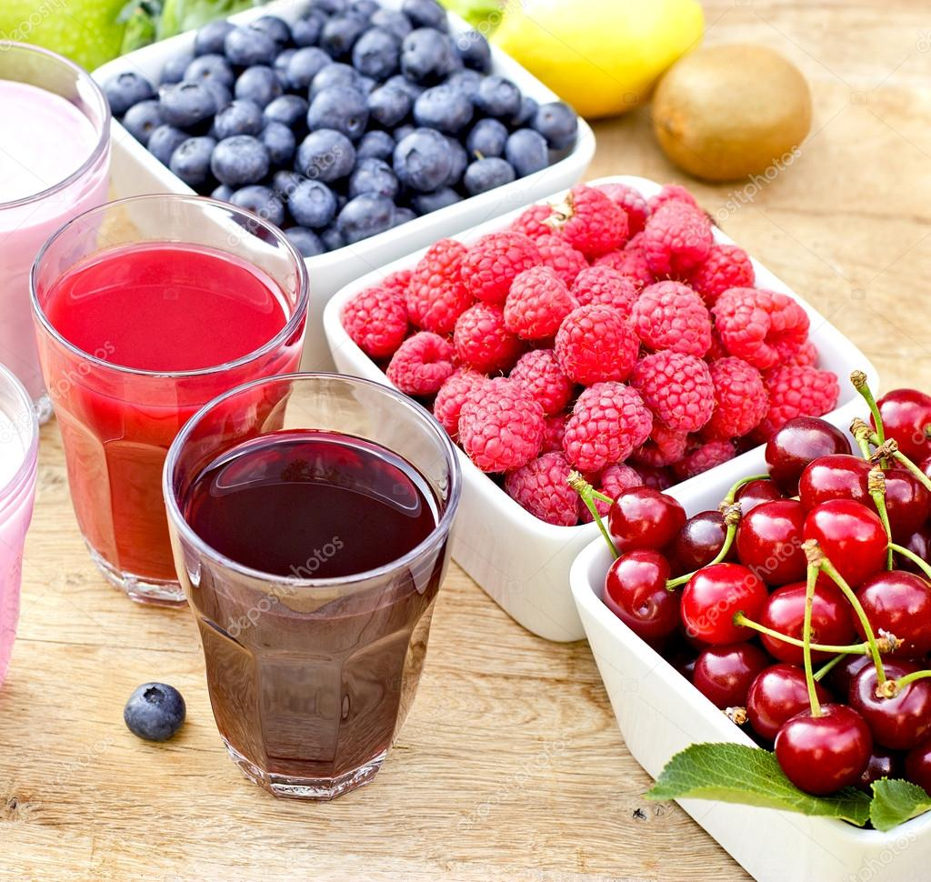 Healthy drinks and berry fruits