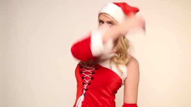 Santa girl pózy a mrknutí
