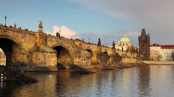 pohled z Kampy na Karlův most