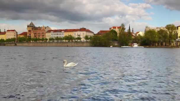 pohled na Novotného lávce v Praze