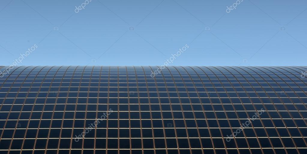 Pannelli solari sul tetto foto stock rossosiena 22746453 for Pannelli solari immagini