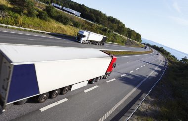 Trucking on large freeway