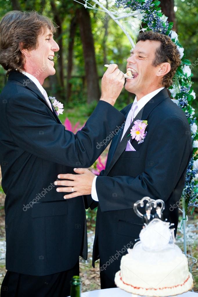 homo taart homo huwelijk   eten taart — Stockfoto © lisafx #32271691 homo taart
