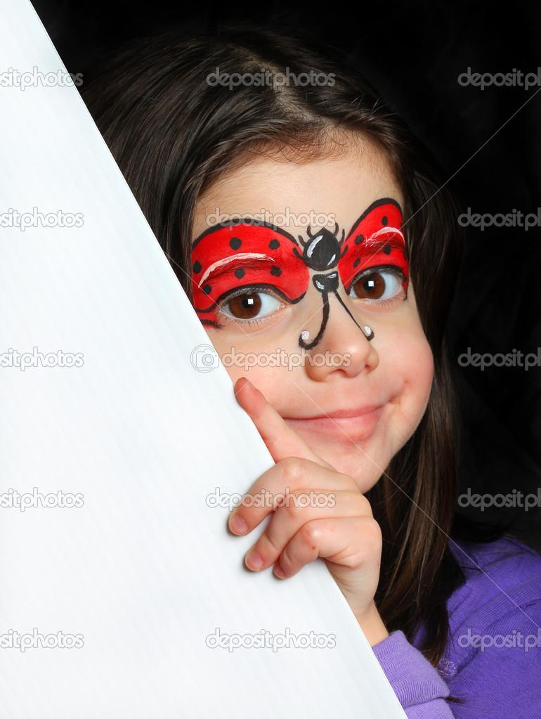 Güzel Bir Kız Ile Bir Uğur Böceği Yüz Boyama Stok Foto